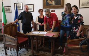 """Firmata la convenzione tra il comune di Mesagne e la """"Casa di Zaccheo"""""""