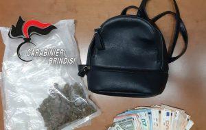 Sorpresi in auto con 60 grammi di marijuana e €. 1.430 in contanti: arrestati