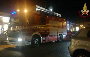 Odore di fumo sul treno regionale Bari-Lecce: la presenza della Polizia di Stato evita il panico prima dell'intervento dei Vigili del Fuoco