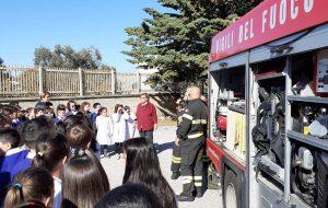 Vigili del Fuoco a lezione di sicurezza con gli alunni di Montalbano