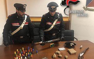Detenevano due kg di cocaina e fucili a canne mozze con munizioni: due arresti a Tuturano