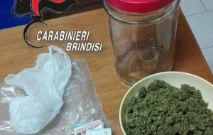 In camera da letto oltre 200 grammi di marijuana: arrestato 20enne