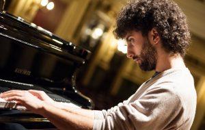 Stasera recital pianistico di Giuliano Graniti nella Basilica del Carmine