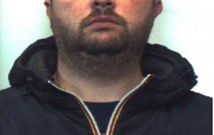 Nascondeva a casa una pietra di cocaina del peso di 90 grammi: arrestato 35enne