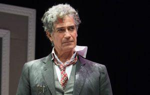 Il berretto a sonagli: Gianfranco Jannuzzo al Nuovo Teatro Verdi di Brindisi