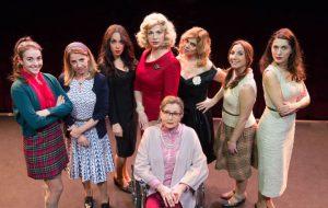Otto donne e un mistero: sold out al Teatro comunale di Mesagne