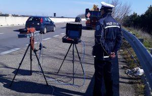 Polizia locale Mesagne: controlli su condotta di guida e vendita itinerante