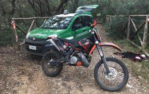Motocross abusivo nel bosco di Cerano: intervengono i Carabinieri Forestali