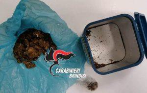 Nasconde marjuana in bocca per eludere il controllo dei Carabinieri