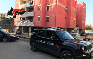 Uccide la madre con 5 coltellate al torace: arrestato 23enne