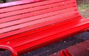 Venerdì l'inaugurazione della prima panchina rossa a Brindisi