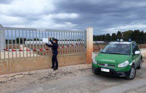Carovigno: strada privata in campagna costruita senza permessi