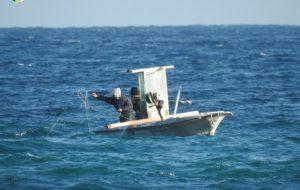 Beccati pescatori di frodo in pieno giorno a Torre Guaceto