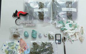 Fermati con oltre 250 grammi tra hashish e marijuana