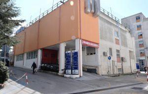 Entra senza permesso nel reparto Covid dove è ricoverato il padre: denunciato 36enne di Fasano