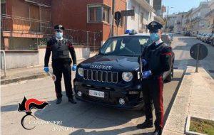 Offende l'onore e il prestigio dei Carabinieri: denunciato