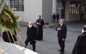 Festa della Polizia 2020: Questore e Prefetto depongono corona al monumento ai caduti
