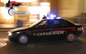 Inseguimento nella notte per le vie di Brindisi: catturato 35enne senza patente