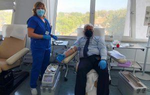 Il Questore Rossi risponde all'appello del Trasfusionale e dona il sangue