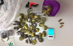 Beccato con 97 grammi di marijuana e tre proiettili: arrestato
