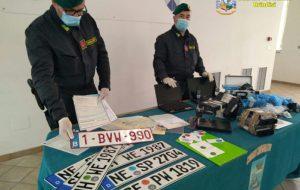 Rubavano le auto nel Nord Italia e le rivendevano in un autosalone di Ceglie Messapica.: 12 arresti