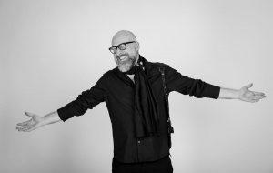 """Mario Biondi presenta """"Nemico Invisibile"""" su Idea Radio"""