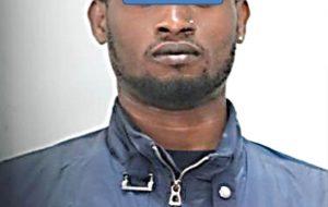 Aggredisce l'ex  fidanzata perché gli nega il denaro, arrestato