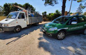 Tuturano: I Carabinieri Forestali sequestrano camion rifiuti