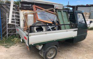 Trasporto abusivo di rifiuti plastici e ferrosi: fermato motocarro a Torre Testa