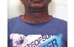 In casa 99 piantine e 200 grammi di droga: arrestato 46enne