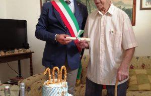 San Vito festeggia i 100 anni di Giovanni Saracino