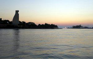 Domenica 9 torna la magia del concerto all'alba nel porto di Brindisi