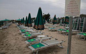 Occupa abusivamente 300 mq di spiaggia: interviene la Capitaneria di Porto