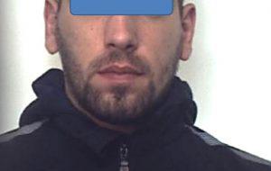 In casa 10,65 grammi di cocaina suddivisi in 32 dosi: arrestata coppia