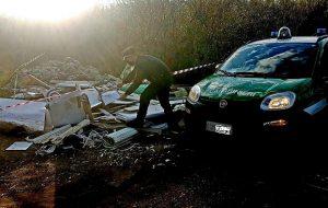 Intervento dei Forestali: ricostruita la provenienza di rifiuti industriali a sud di Brindisi