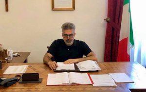 """Progetto """"Libriamoci"""": il sindaco Matarrelli è ambasciatore di lettura per le scuole"""