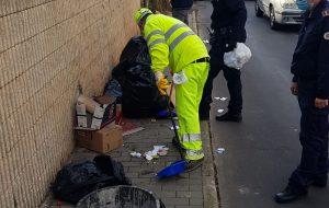 Un residente e due attività commerciali multati per abbandono di rifiuti in Via Materdomini