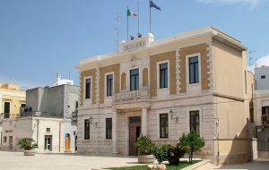 Malattie rare: domani il municipio di San Vito si illumina di azzurro