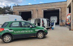Autocarrozzeria abusiva a San Michele S.no: blitz dei Carabinieri Forestali