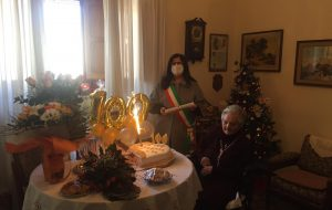 La Signora Vita Carmela Carella compie 100 anni