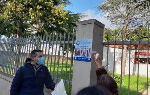 """Il Sindaco Antonello Denuzzo in visita alla scuola Distante 2 ribattezzata """"Rousseau"""""""