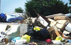 Servizio di prenotazione per il ritiro gratuito di rifiuti ingombranti a Mesegne: c'è l'app o il numero verde