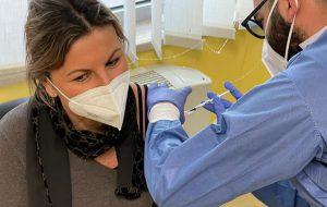 Vaccino anticovid: si lavora a pieno ritmo negli ospedali pugliesi