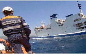 Violazione delle norme sulla sicurezza: la Capitaneria di Porto ferma la motonave Galaxy
