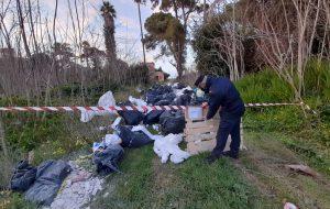 Discarica a Villa Pignicedda, i rifiuti provengono da un cantiere al quartiere La Rosa. Denunciato imprenditore