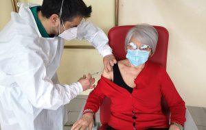 Vaccinazioni: ripresa a Brindisi la somministrazione di AstraZeneca