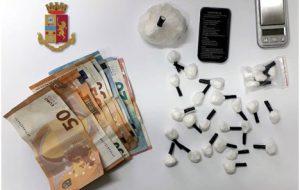 Controlli antidroga a Mesagne, il cane Yaki fiuta cocaina: arrestato spacciatore