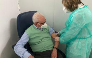 Cittadini dai 79 ai 60 anni: a Brindisi partono le vaccinazioni nei centri