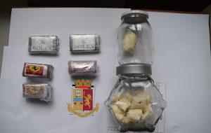 nascondeva il fumo marchiato Ferrari e Rolex nel garage: arrestato spacciatore di Ostuni
