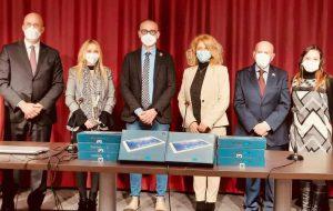 """Il Rotary dona dei tablet al """"Morvillo Falcone"""" e al """"Ferraris"""" di Brindisi per gli studenti meno abbienti"""